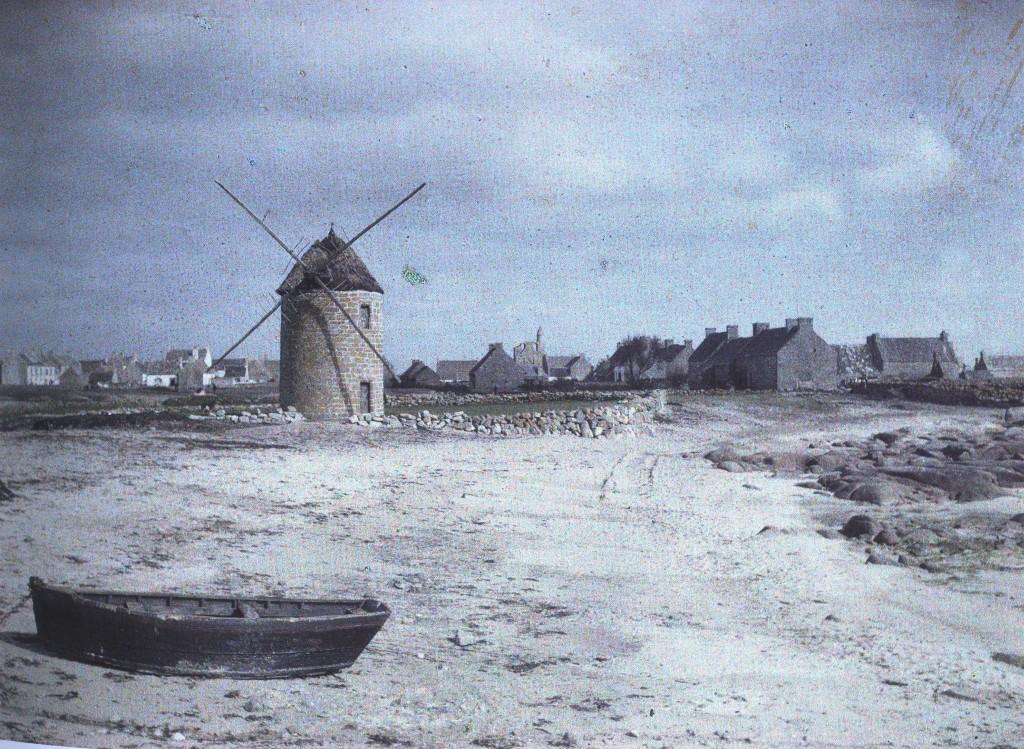 Le ùoulin de Kervily à Kérity en 1920. Phot de Georges Chevalier pour la Fondation Albert Kahn.