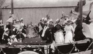 Inauguration du monument aux sauveteurs ; carte postale Villard 500