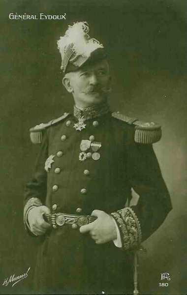 Le général Joseph-Paul Eydoux, commandant du 11ème Corps d'Armée
