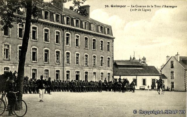 La caserne du 118e RI, photographie de Villard, copyright SDAP