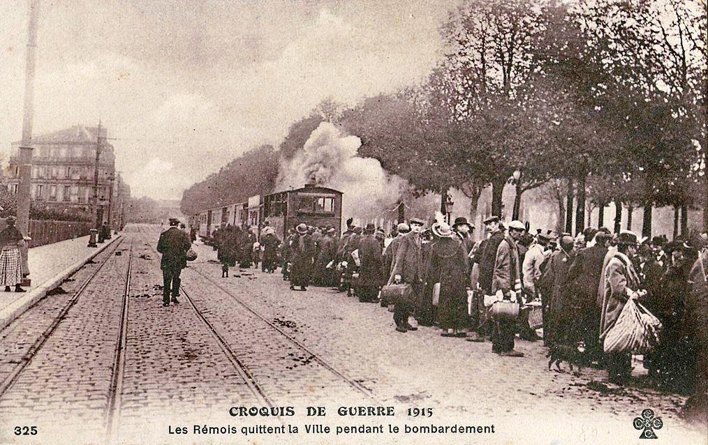Carte postale CCCC_325_-_CROQUIS_DE_GUERRE_1915_-_Les_Rémois_quittant_la_Ville_pendant_le_bombardement
