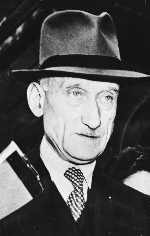 Bundesarchiv_Bild_183-19000-2453,_Robert_Schuman