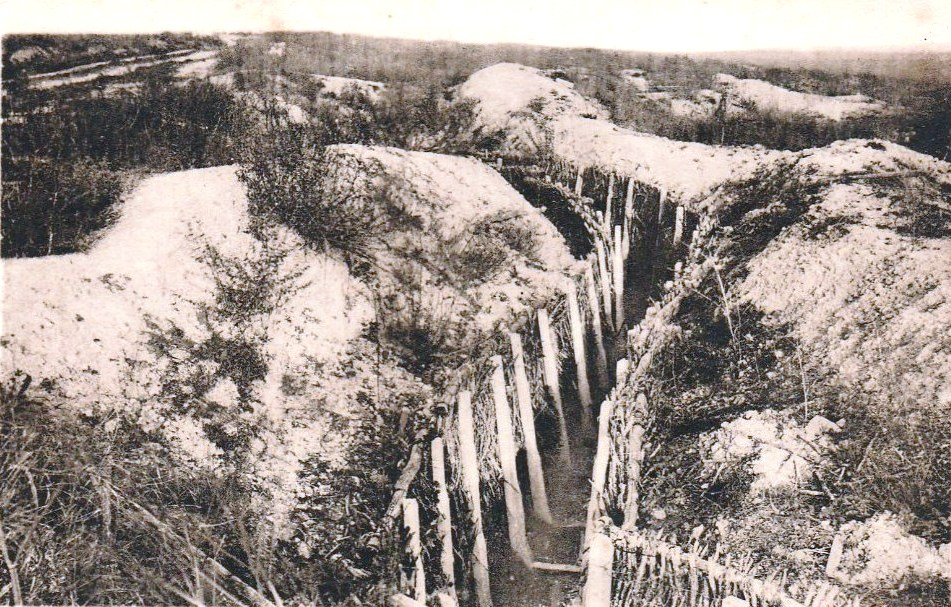 Verdun (Meuse), boyau conduisant au fort de Douaumont (carte postale).