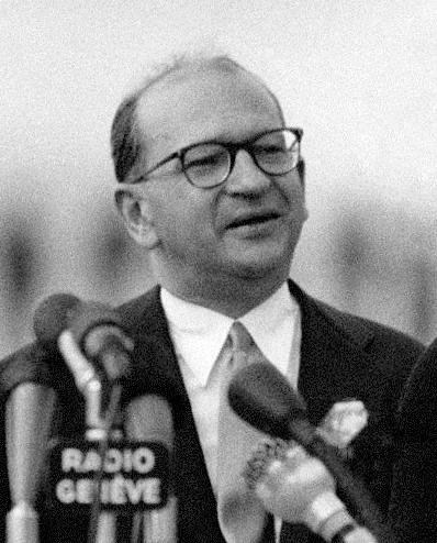 Edgar_Faure_1955 ph Mario De Biasi